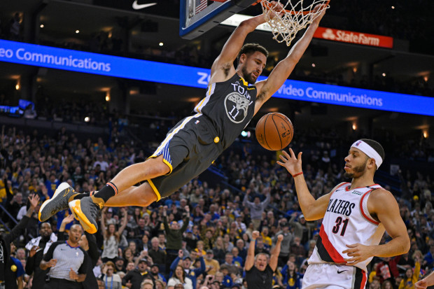 Klay Thompson dunk